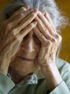 alzheimers 225x300 Alzheimers Care: Why you should encourage old people to play memory games