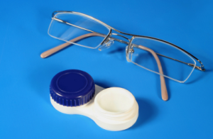 Pros and Cons of Glasses and Contacts